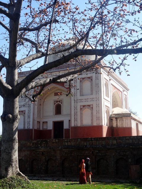 New Delhi tomb